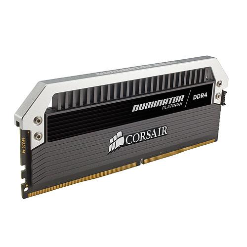 Corsair Dominator Platinum 16 Go (2x 8 Go) DDR4 4000 MHz CL19 pas cher