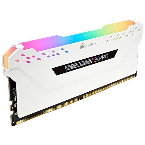 Corsair Vengeance RGB PRO Series 32 Go (4x 8 Go) DDR4 2666 MHz CL16 pas cher